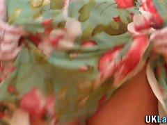 Dedos brit Milf elegantes