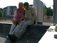 Allemand Gros seins Blond baise en public