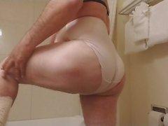 Modelando los calzones d emi suegra