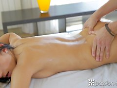 Passion-HD - Guy gets Lexi Dona loosened up