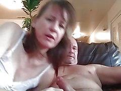 Cumming dans sa bouche!