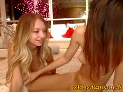 Three Hotties Have Fun on Cam