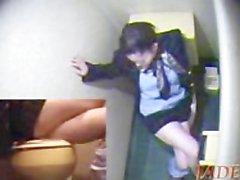 Japanische Mädchen masurbiruet Füßen, hidden cam