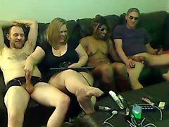 Sesso di gruppo con grandi tette