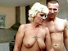 Sexy granny enjoys good fucking