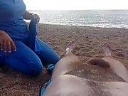 Naken massage- på stranden