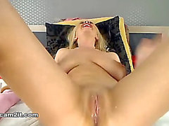 Breasty golden-haired dildoing cunt and booty