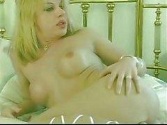 Condom sex for a pretty tranny ass