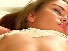 Nice chick spreads tight snatch and gets deflorated