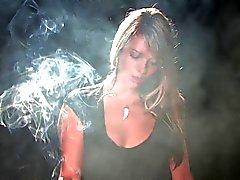 De Rina Fumar More (sin nude )