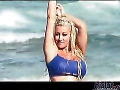 Le lesbiche sulla spiaggia