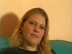 Blonden Deutsch Mädchen verschenkt intimen Interviews