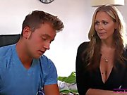 Halle Von And Julia Ann Threesome