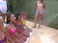 Sucios Putas College Consigue manguereados la piscina