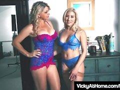 Loira Milf Beleza Vicky Vette RUB Hitachi Com Cristi Ann!