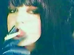 Тихое время курение пока я Мастурбация глядя на порнографии :)