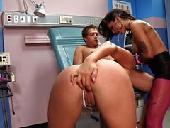 Bonnie Rotten and Samantha Saint get screwed at the hospital