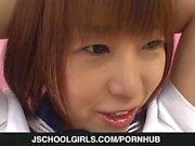 Teen Nonoka spielt rau in Bondage-Szene