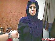 Arabiskt bruden throathed och knullade klumpa ihop djupt