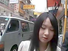 softcore asiatische öffentlicher Flash Bikini