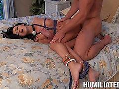 Grober Sex für die sexy Breanne Benson Während Up Being Befestigt