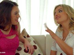 Djemaa Valentine e Tiffany della bambola in il fisting scena lesbica da parte FistFlush