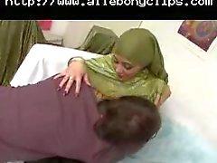 Big Tits avec le hijab