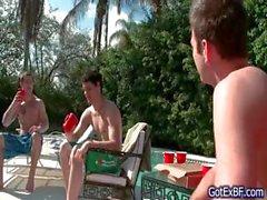 Erstaunliche Homosexuell Vierer durch den Baden