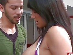 latinachicks - Juliana Colombiana follando Body Morado