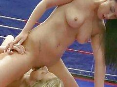 Classic fight blonde vs brunette