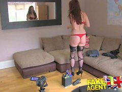 FakeAgentUK Amt Couch Sex-Session zur in Amsterdam reizvoll Stripperin