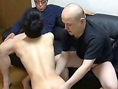 Homosexuell asiatische Twink Im zum kotzen beiden