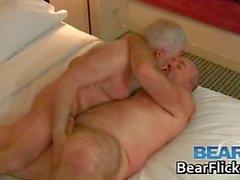 Older gli orsi omosessuali cazzo e succhiare part5