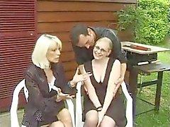 Fransk AVGJUTNING N70 fransman blond analt tonårsbrud brud med glasögon