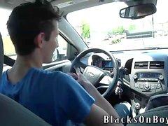 Mike King Versucht schwarzen Schwanz fürs Erstes Mal