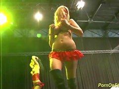 trekant sex show på offentliga scenen
