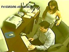 falso secretário voyeur dá tugjob CFNM