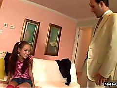 Guarda come questo sweet baby sitter Asia Amai Liu ha la GIV