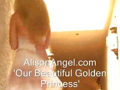 Glam de vestido Busty Blonde adolescentes Bebé de dedos a sí misma