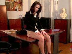 Büro Baby Denise mit reizvoller Beine und Füße