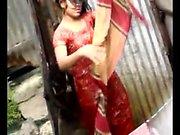 Bangla desi Stadt Frauen waschen in Dhaka Stadt HQ (4)