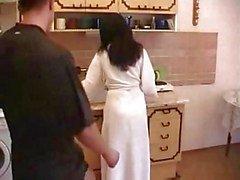 Mutfakta Kıllı Anne Kahretsin Whith Young Boy