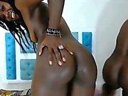 3 Schokolade Mädchen mit Dildo