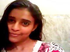 Lange clip van een Indiase tiener