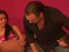 Transsexual Babysitters Teighjiana нарушает голову