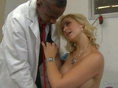 Sara Vandella golpeado por un Bbc