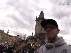 Orada Prag etrafında gerçekten güzel bahar pazarları, bu yüzden