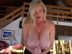 KELLY MADISON Tirador de madera Chuck