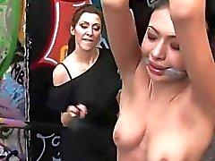 Hot Sirene empfängt eine qual Gruppen die Folter