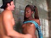 ТС Aiemee получает ее черный Дик сосал в тюрьме